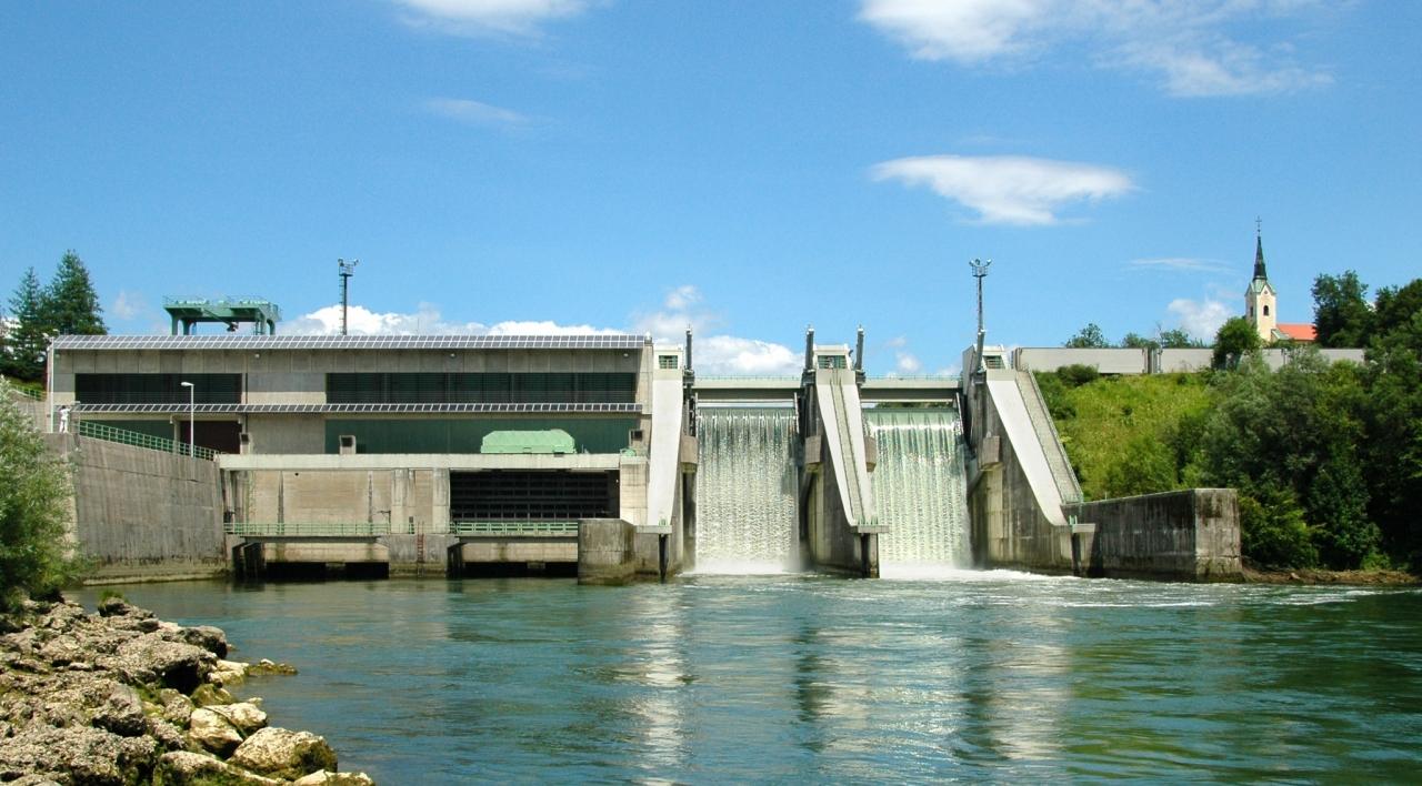 Proizvodnja hidroelektrarn lani pod pričakovano